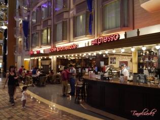 MOTS_CafePromenade1