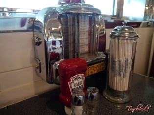 MOTS_JohnnyRockets2