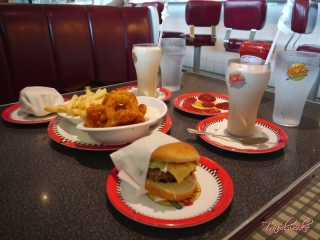 MOTS_JohnnyRockets3