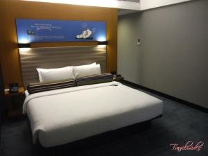 Guestroom2_AloftKL