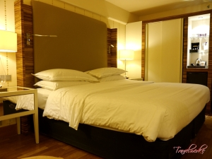 Guestroom2_SheratonStockholm