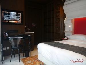 MiraMoon_Guestroom3