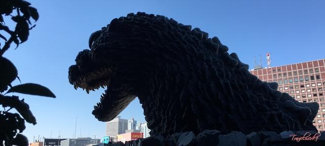 GraceryShinjuku_Godzilla1